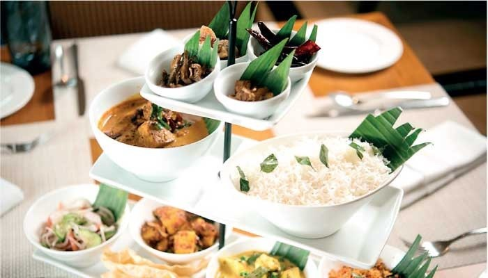 A table of decent food of the Taj restaurant; image used for HSBC Sri Lanka Premier wine and dine offers page
